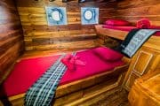 Komodo live aboard cabin